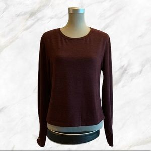 4/$30 🌿 Maroon Long Sleeve Top w/ Gold Buttons